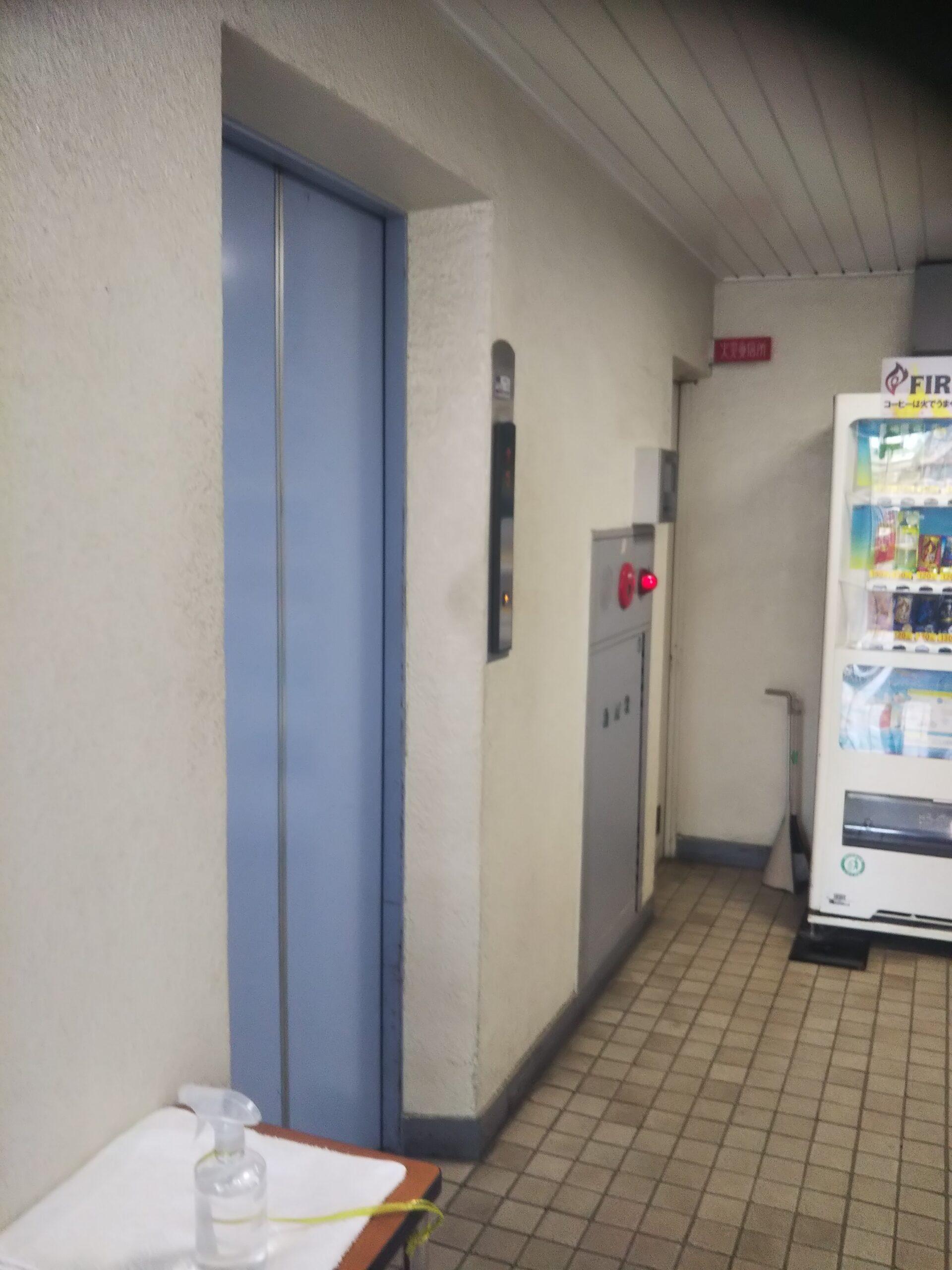 横浜囲碁センターのエレベーター