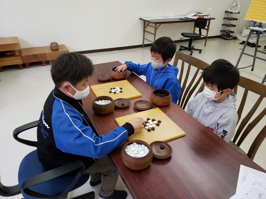 山本囲碁教室の子どもたち